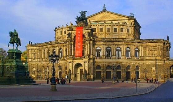 Softwareentwicklung in Dresden am Opernhaus