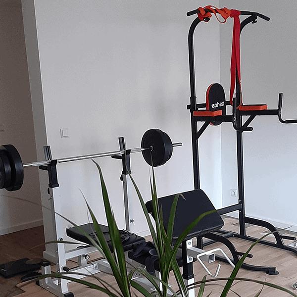 Fitnessbereich im Büro von Platri IT